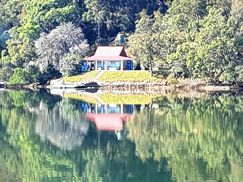 Little blue house on the Hawkesbury River. The only access is by water.