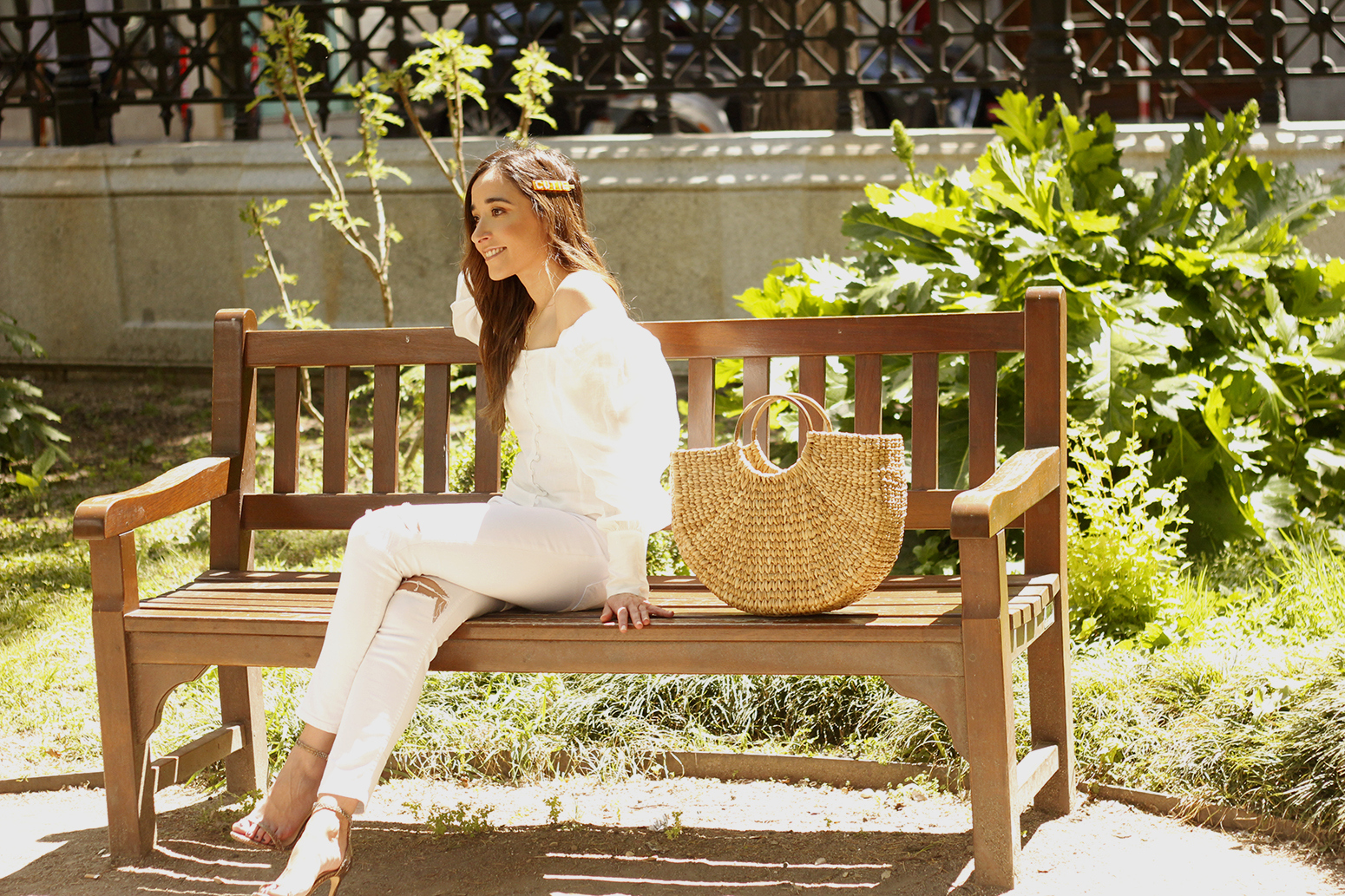 White Linen Top jeansstraw bag street style outfit 201910