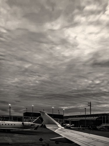 Wingshot from the Ground at Chicago International Airport. | by RichTatum