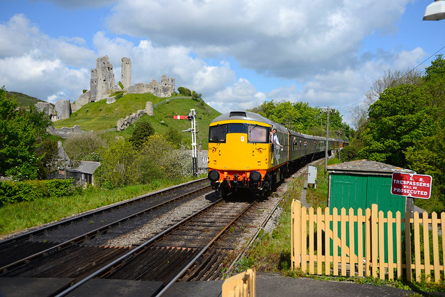26007 Arrives at Corfe Castle during the Swanage Railway Gala 17.05.19