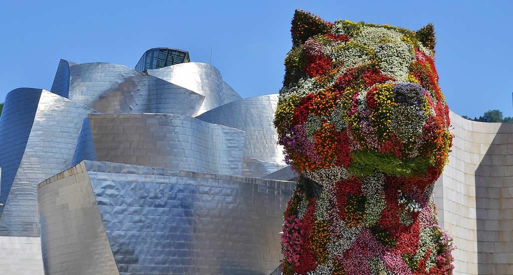 Fietsen in Bilbao, Puppy van Jeff Koons | Mooistestedentrips.nl