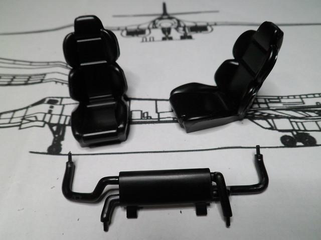 *Montage pas-à-pas* Jaguar XJ 220 [Revell 1/24] 47841523352_38d50e9bc2_z