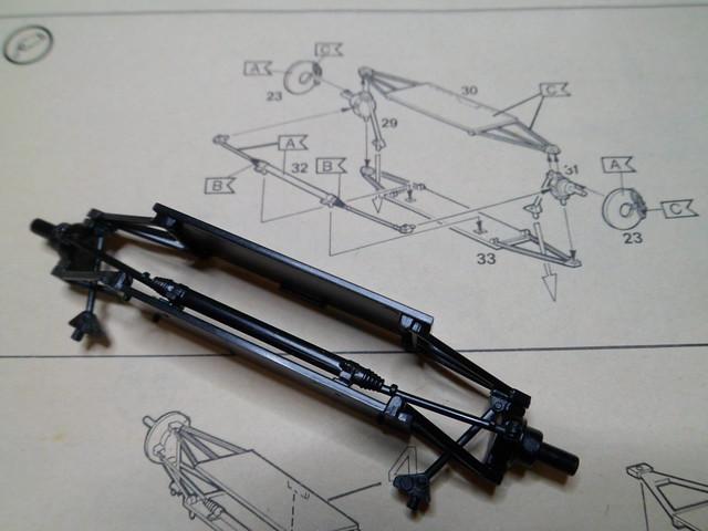 *Montage pas-à-pas* Jaguar XJ 220 [Revell 1/24] 47841523642_05ed7c7b69_z