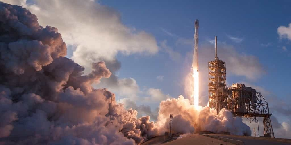 spacex-satellites-internet-Starlink