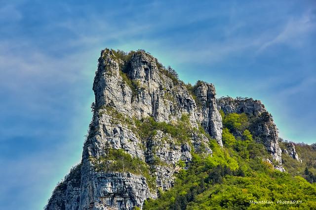 Loška stijena iznad doline rijeke Kupe (2)
