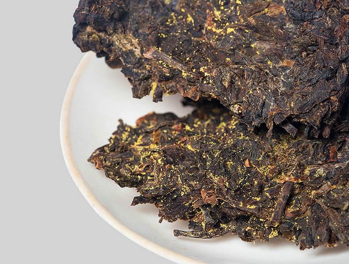 """2014 XiangYi """"Jing Dian 1958"""" (Classical 1958) Brick 900g Dark Tea Hunan"""
