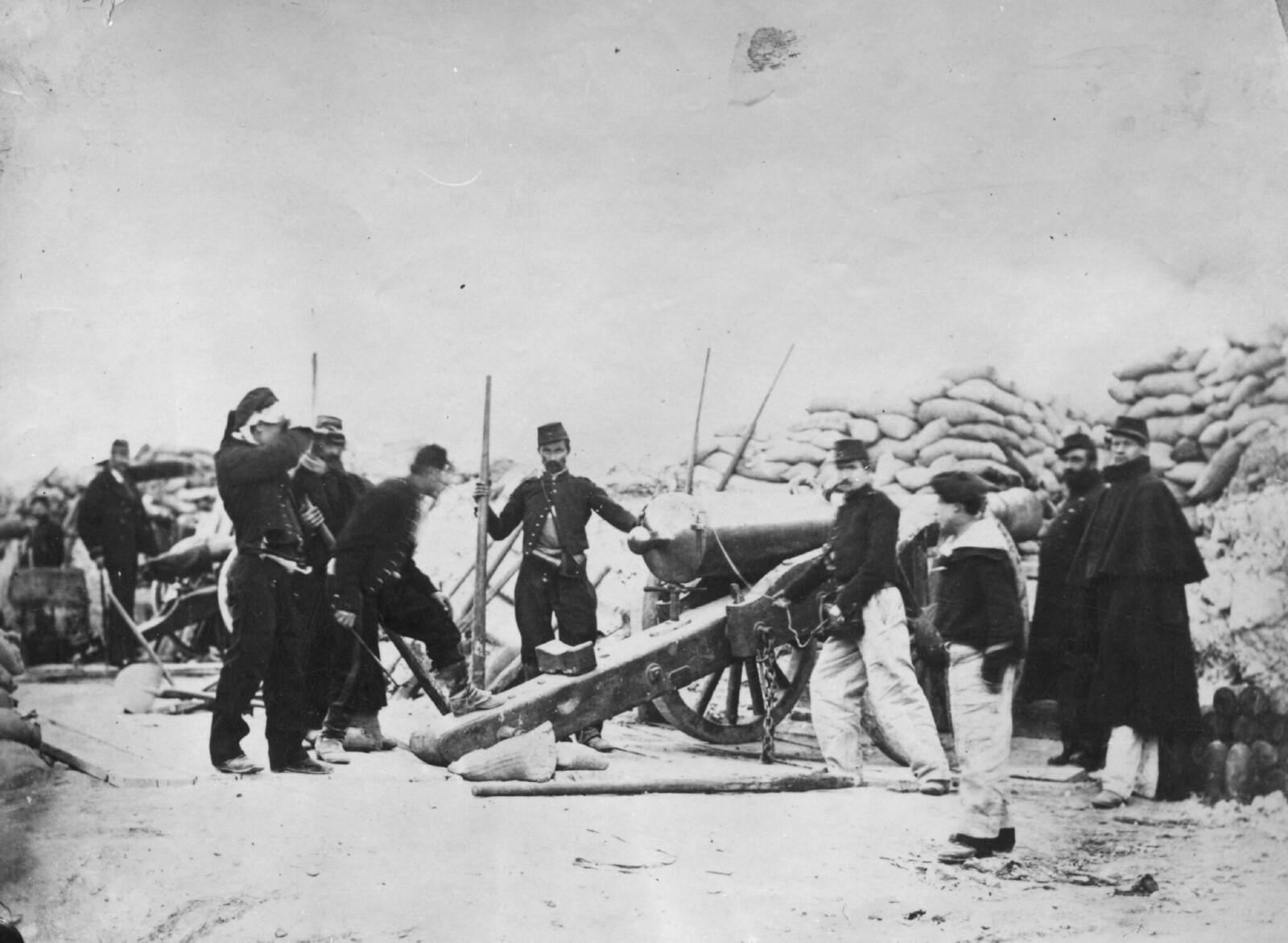 1871. Артиллерийская батарея во время гражданской войны между Третьей Республикой и Парижской Коммуной. 1 февраля