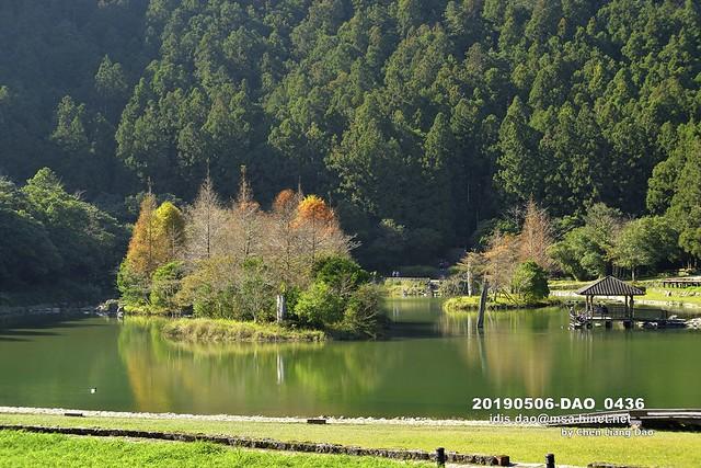 20190506-DAO_0436 秋天森林湖景的顏色