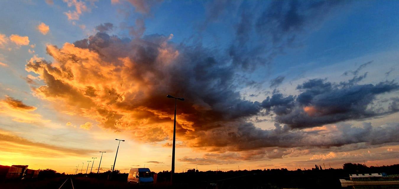 Brutális felhőtenger vonult át Szeged felett hétfőn