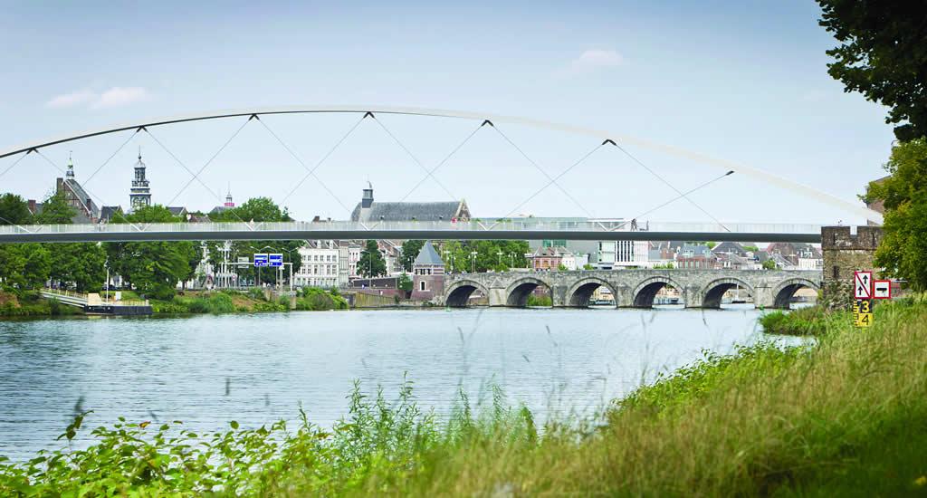 St. Servaas Bridge, Maastricht | Your Dutch Guide