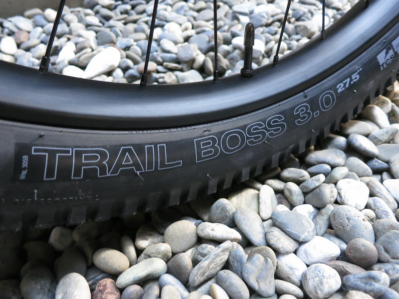 SURLY Karate Monkey MBG Tire