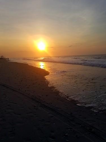 ocean waves sunrise sun sand morning early myrtlebeach beach
