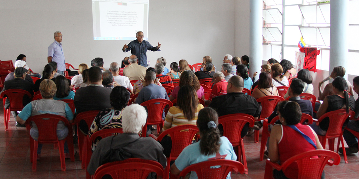 Taller sobre las denomindas sanciones al pueblo venezolano en el Liceo Fermín Toro