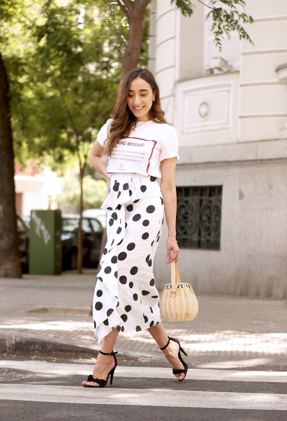 midi linen polka dots skirt black heels street style outfit 201911