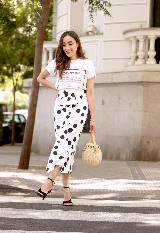 midi linen polka dots skirt black heels street style outfit 201910