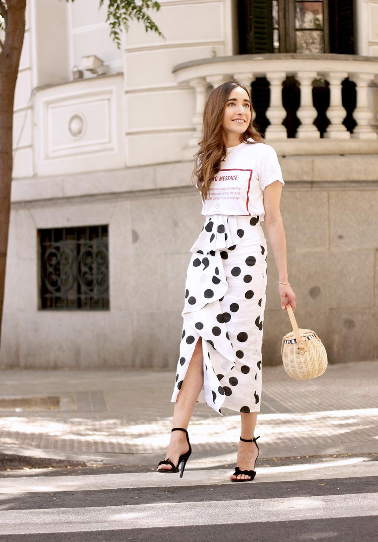 midi linen polka dots skirt black heels street style outfit 20199
