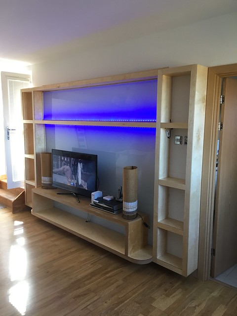 WALL TV CABINET WITH LAMINATED GLAS AND LED BACKGROUND