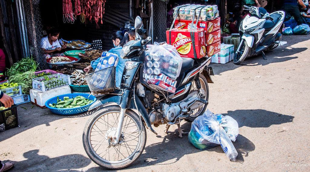 2019 - Cambodia - Sihanoukville - Phsar Leu Market - 16 of 25