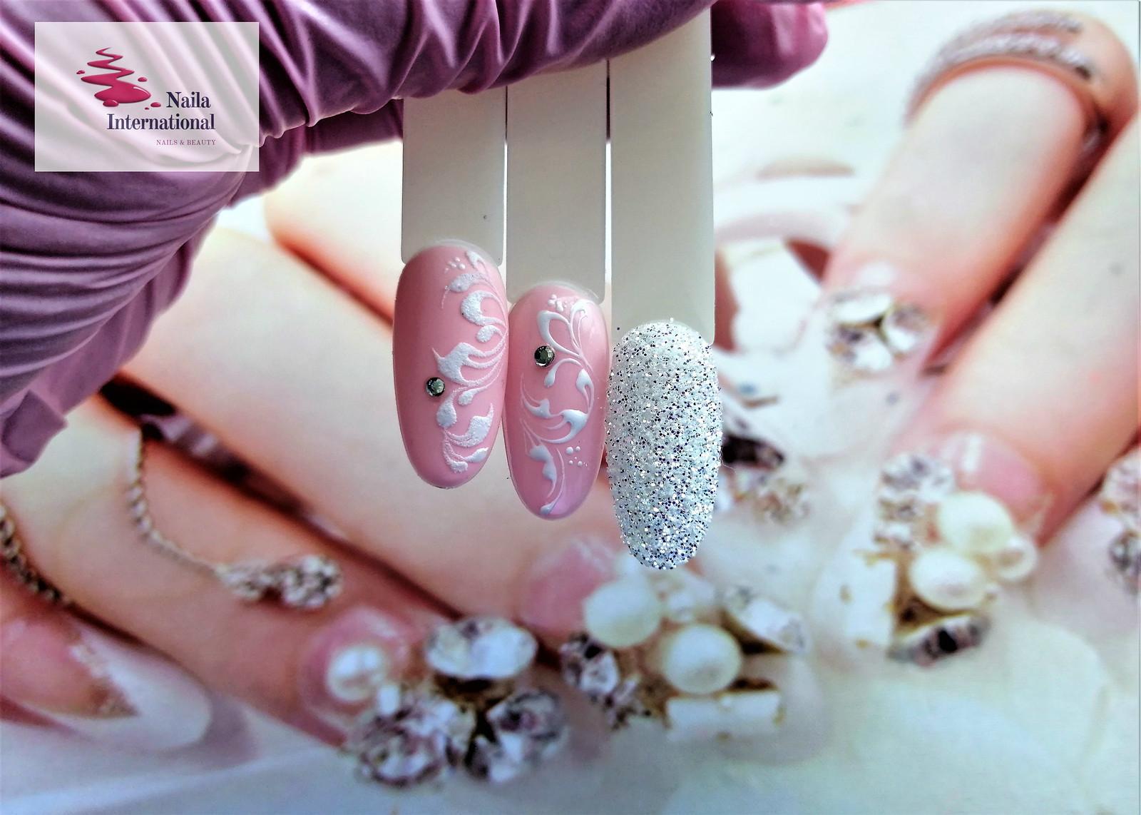 malujemy ślubne ornamenty na paznokciach