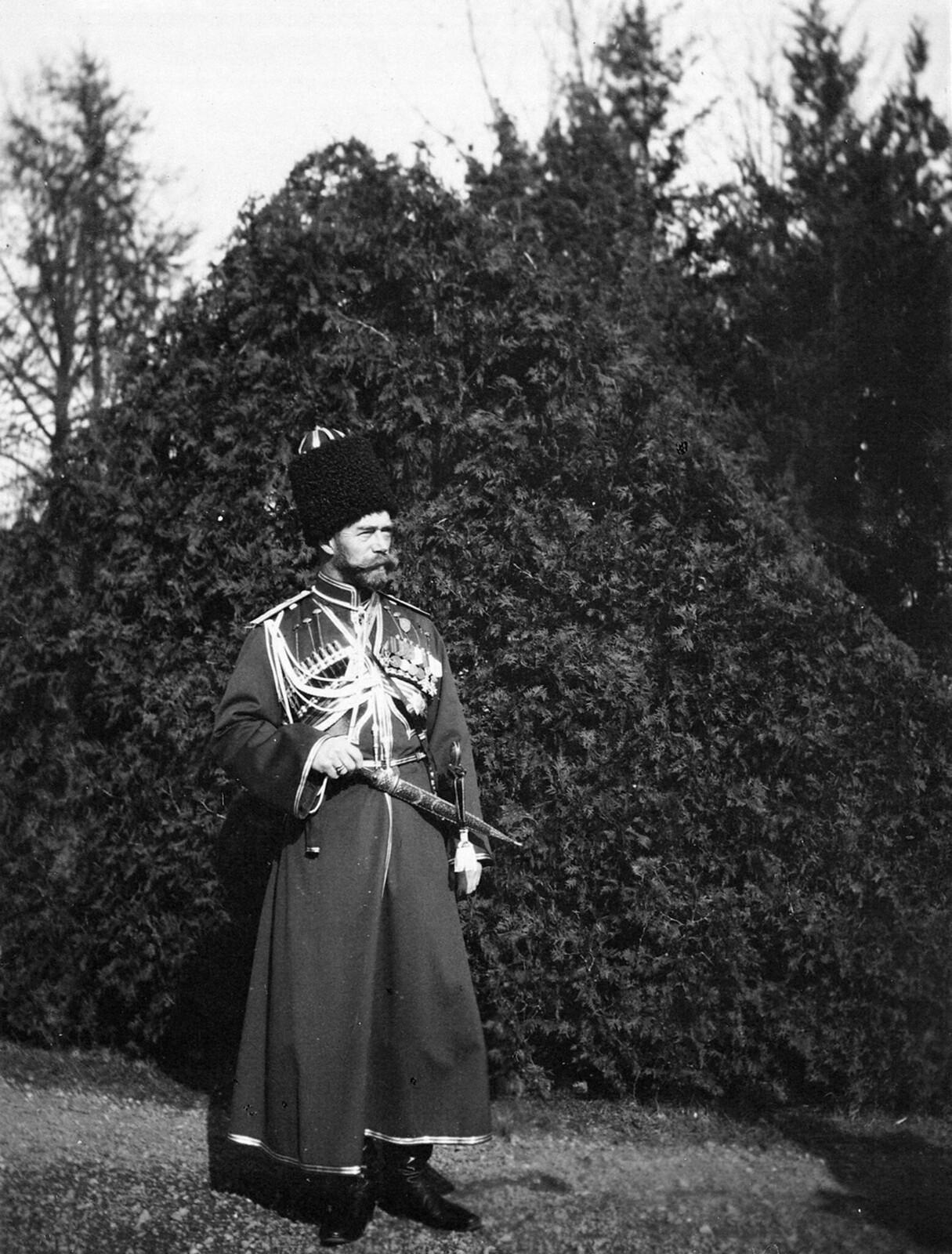 1913. Николай II в казачьем мундире