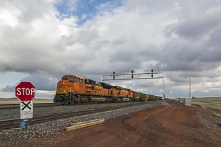 2019-05-09 1808.1 BNSF 9015 on Coal Train, MP 33 Crossover, WY