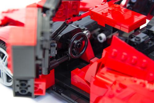 Enzo Ferrari 1:16 (21)