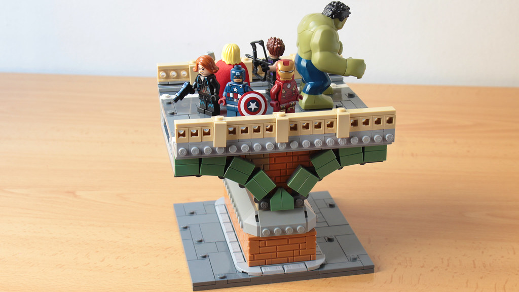 Avengers, assemble! scene MOC