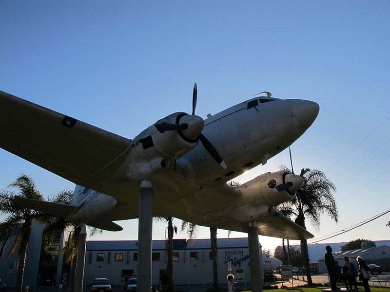 Douglas DC-3 00001