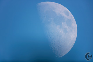58.2% First Quarter Daytime Moon [2019.05.12]