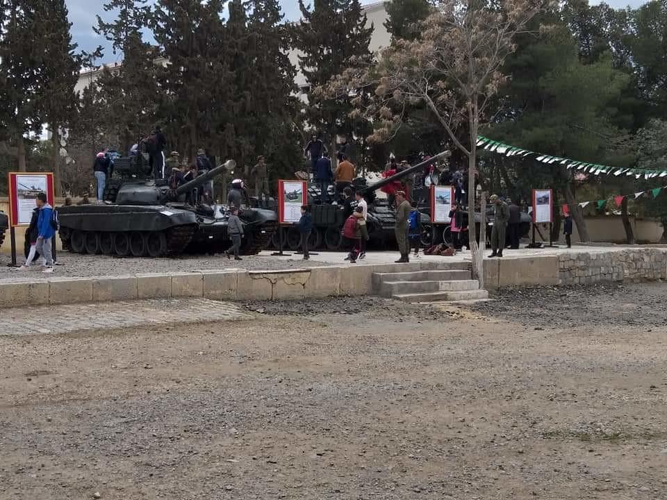 صور دبابات قتال رئيسية الجزائرية T-72M/M1/B/BK/AG/S ] Main Battle Tank Algerian ]   - صفحة 5 47869647201_5f959094a0_b