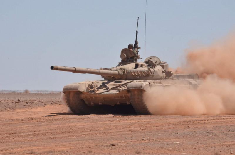 صور دبابات قتال رئيسية الجزائرية T-72M/M1/B/BK/AG/S ] Main Battle Tank Algerian ]   - صفحة 5 47869647731_7606b1c576_b