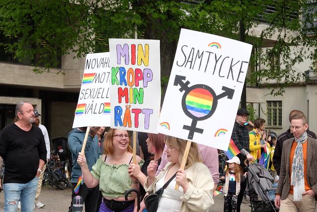 Prideparaden – Stadsbiblioteket