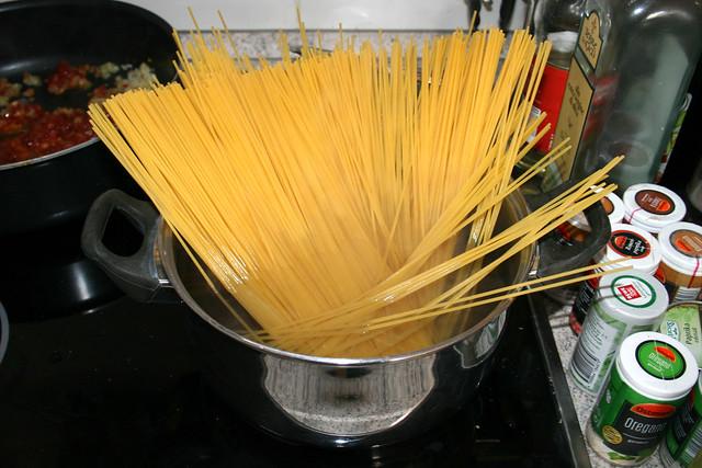25 - Spaghetti kochen / Cook spaghetti