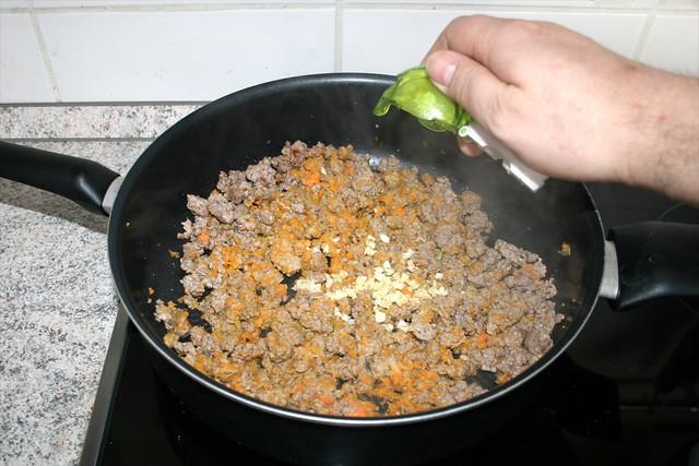 15 - Knoblauch hinzufügen / Add garlic