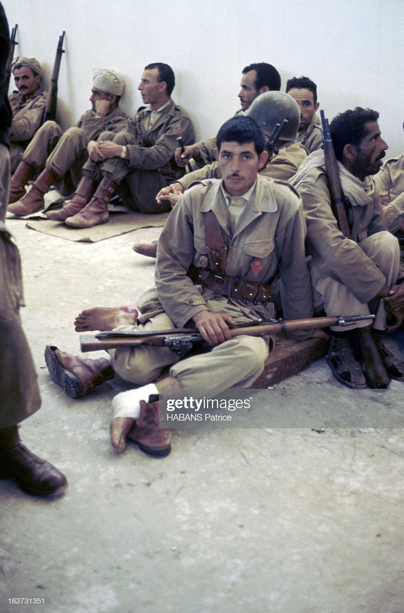 Photos - Guerre des Sables - 1963 - Page 8 47881159051_bb3233a45c_o