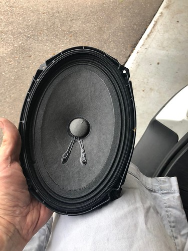 BMW E46 touring rear speakers   by terzinator