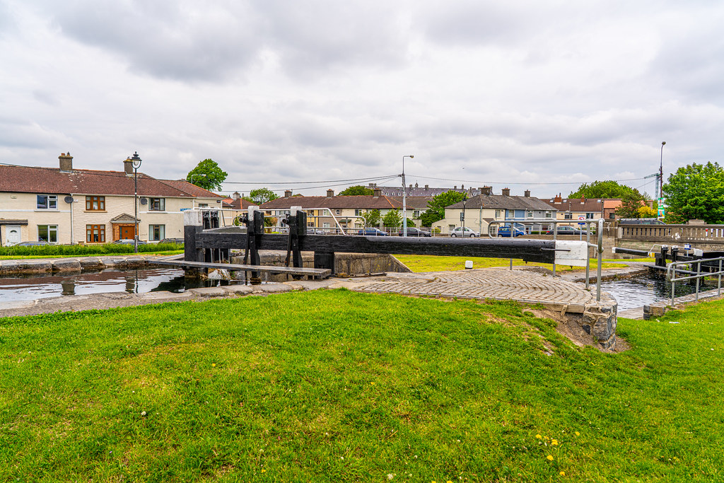 THE FIRST LOCK ON THE GRAND CANAL 007