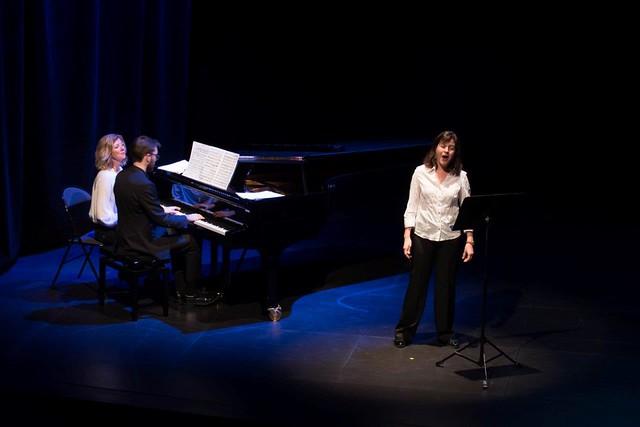 Elisabeth Naas solo accompagnée au Piano