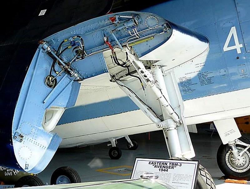 Grumman Eastern TBM-3 Avenger 00002