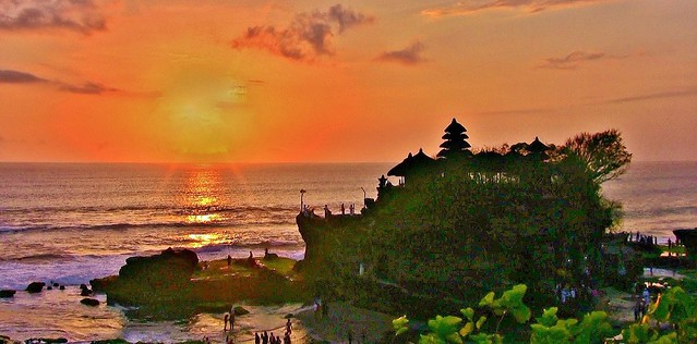 INDONESIEN, Bali -  Sonnenuntergang am Meerestempel Pura Tanah Lot am Ind. Ozean, (serie) 18220/11501