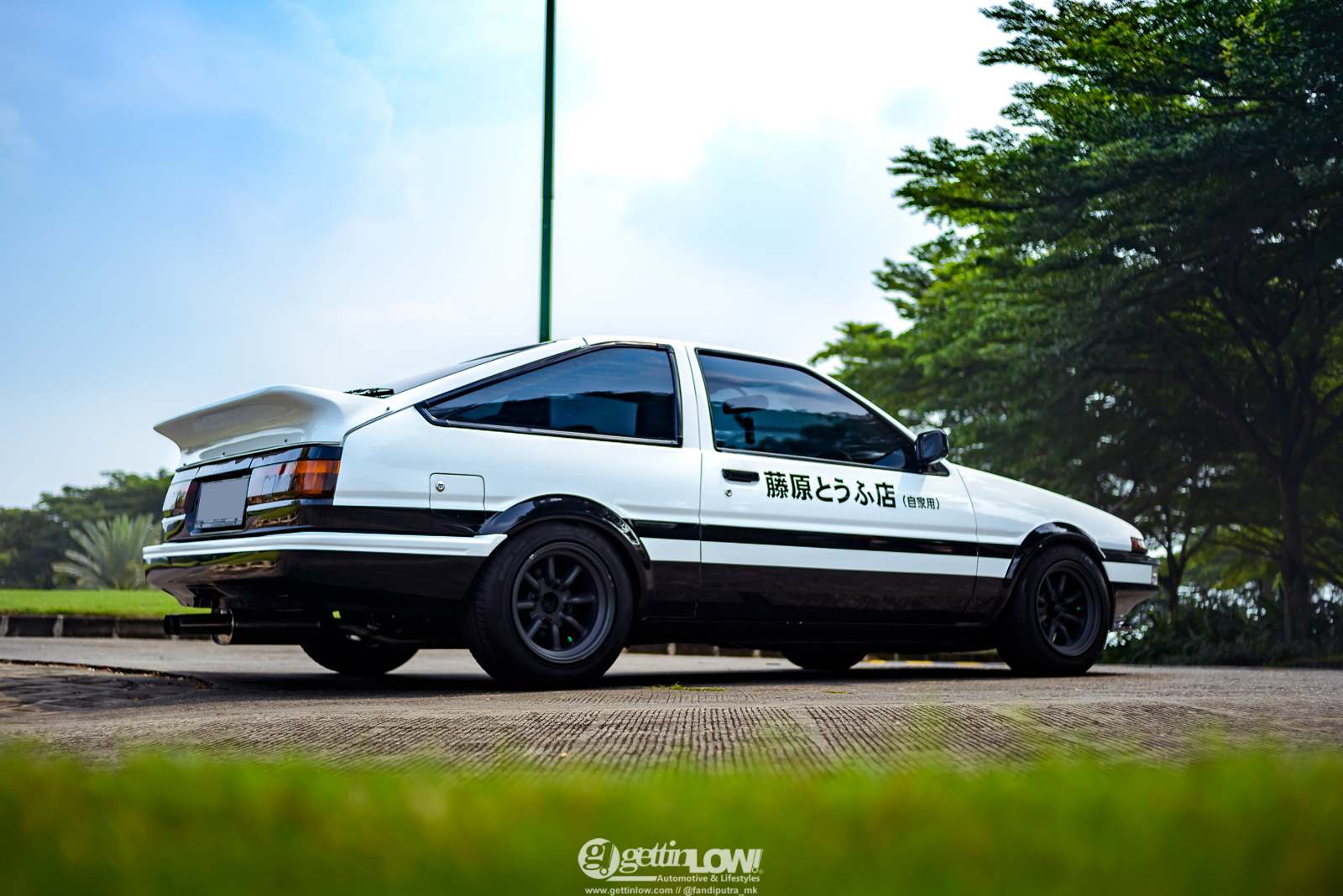 TOYOTA AE86 INITIAL D