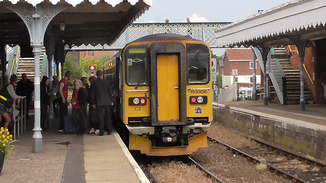 153 306 has arrived at Woodbridge Station en route to Lowestoft.