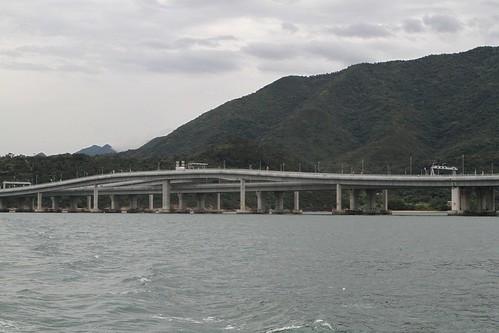 Grade-separated turnaround facility spans the viaduct at San Shek Wan