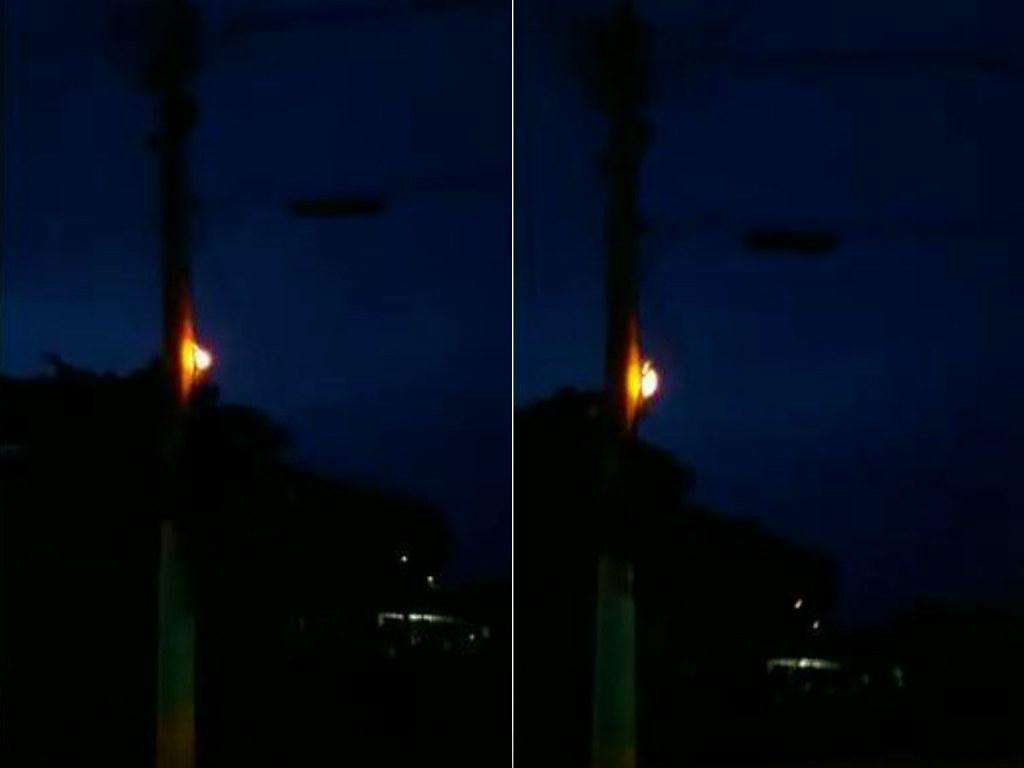População coloca lamparinas em postes para iluminar ruas escuras em Óbidos; vídeo, postes e lamparina em Óbidos