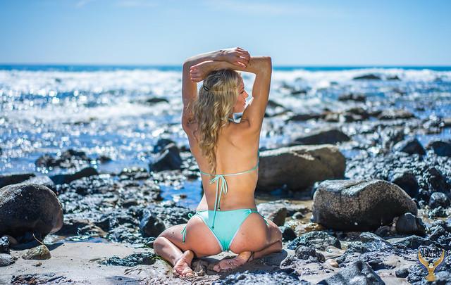 Pretty Blonde Bikini Model! 45SURF Pretty Blue Eyes Homer's Iliad Helen Aphrodite Swimsuit Bikini Surf Girl Malibu Beach Model! Golden Ratio Comp Sony A7 R & Sony Sonnar T* FE 55mm f/1.8 ZA Carl Zeiss Lens Lifestyle Model Portrait Photography dx4/dt=ic!