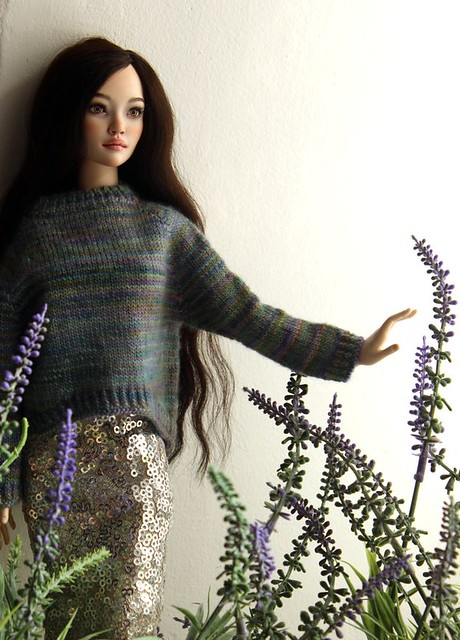 Sweaters for nlo-dolls