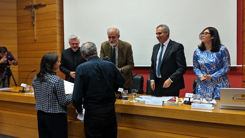 La Fundación PorCausa recibió el I Premio Arrupe