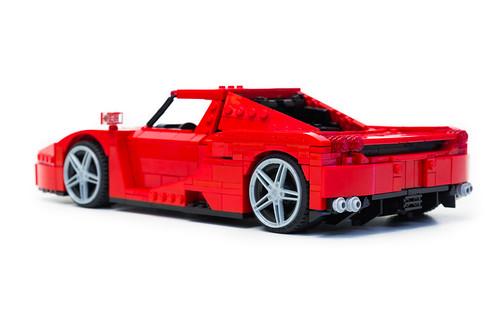 Enzo Ferrari 1:16 (7)