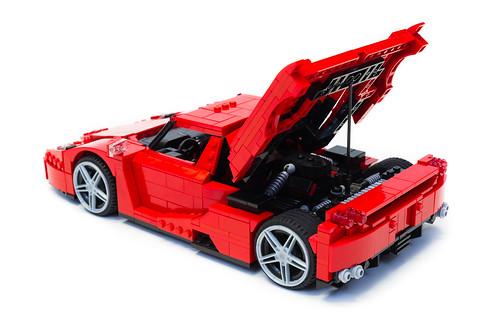 Enzo Ferrari 1:16 (12)