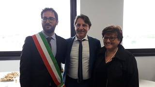Il presidente Tridico tra il sindaco Nitti e la responsabile regionale Maria Sciarrino